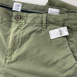 GAP Women's Girlfriend Chino, Greenway Size 12